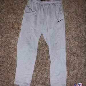 Super comfy Nike sweatpants! Only worn 3 times!